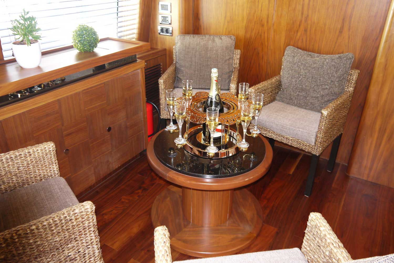tulip-or-dentelle-yacht1